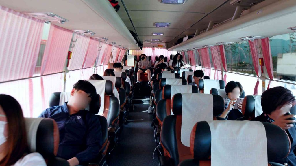 A picture of the inside of a premium intercity bus in Korea.